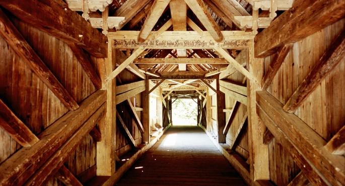 Die Urnäschbrücke des berühmten Hans Ulrich Grubenmann von 1780 vereinigt Klarheit der Konstruktion und Sparsamkeit im Einsatz der Mittel.